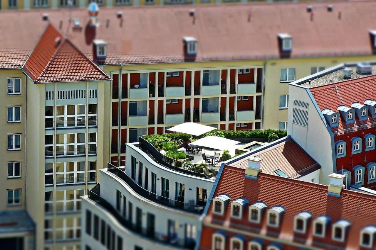 Isoler toiture plate