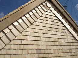 pose de toiture en bois
