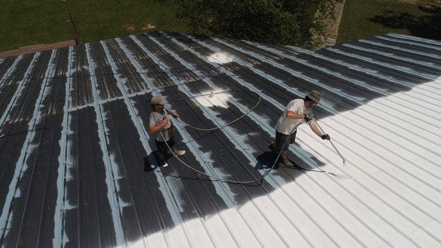 peinture noire pour toit